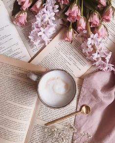 All I need now is a good coffee. How are you my dear Friends? Happy morning everyone! 😊 Witajcie we wtorek Kochani! Coffee And Books, Coffee Love, Coffee Art, Best Coffee, Coffee Cups, Aesthetic Coffee, Book Aesthetic, Aesthetic Photo, Aesthetic Pictures