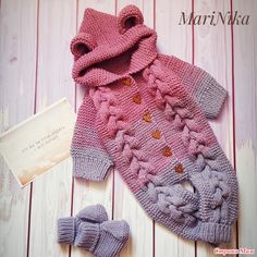 Overalls for a baby growing to Very warm. Everything is connected without seams, so there is no discomfort to little happiness. Baby Knitting Patterns, Crochet Patterns Amigurumi, Knit Baby Dress, Crochet Cardigan, Crochet Baby, Free Crochet, Crochet Jumpsuits, Baby All In One, Baby Costumes