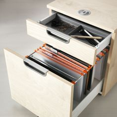 GALANT Drawer unit with drop-file storage IKEA 10 year guarantee. Read about the terms in the guarantee brochure. Ikea Office, Ikea Desk, Industrial Office Design, Home Office Design, Small Space Organization, Office Organization, Small Space Living, Small Spaces, My Workspace