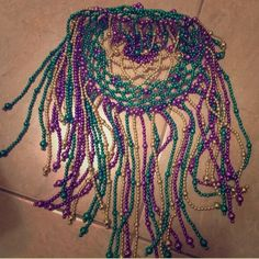 No damage - all beads in tact! Great for your upcoming trip to New Orleans for Mardi Gras. Universal Studios Mardi Gras, Mardi Gras Hats, New Orleans Travel, Cleopatra, Purple Gold, Diy Art, Jewelry Crafts, Crafting, Hair Accessories