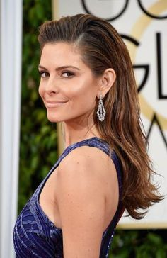 Pin for Later: See Every Single Stunning Beauty Look From the Golden Globes Maria Menounos Maria's slicked-back strands gave off a surfer-girl vibe. Surfer Girl Hair, Surfer Girl Outfits, Surfer Girls, Medium Hair Cuts, Short Hair Cuts, Medium Hair Styles, Long Hair Styles, Sleek Hairstyles, 2015 Hairstyles