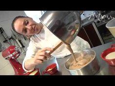 Bolo de Chocolate - Carole Crema Cupcake Cakes, Cupcakes, Fun Desserts, Chocolates, Brownies, Cake Recipes, Pastel, Sweets, Okra