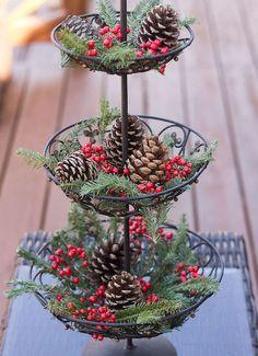 Cool 45 Best Christmas Decorations Outdoor Pine Cones Ideas https://livingmarch.com/45-best-christmas-decorations-outdoor-pine-cones-ideas/