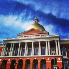 Good Morning Boston and Good Morning Blue Skies over the State House! #bostonusa