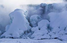 Frozen Niagara Falls offers spectacular view | CTV News
