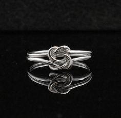 Nœud double anneau. Anneau double infini. par IndulgentDesigns, $34.00
