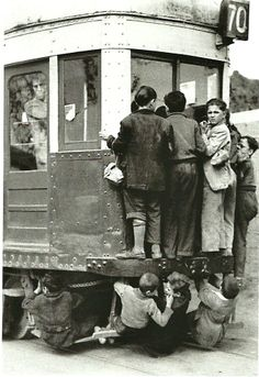 Excursions in Barcelona, Costa Brava & Catalunya; Antique Photos, Vintage Photographs, Vintage Photos, Colorful Pictures, Old Pictures, Old Photos, Black White Photos, Black And White Photography, Foto Madrid