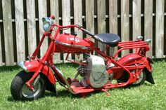 1951 Cushman Eagle - these are awesome classics. Cushman, instead of getting engines from Tecumseh, Onan or Briggs and Stratton, made their own engines. Mini Motorbike, Mini Bike, Motorcycle Bike, Motor Scooters, Motor Car, Motorised Bike, Moped Scooter, Davidson Bike, Pedal Cars