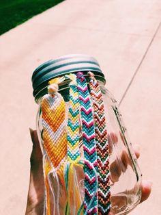 Darling Make Alphabet Friendship Bracelets Ideas. Wonderful Make Alphabet Friendship Bracelets Ideas. Bracelets Hippie, Thread Bracelets, Embroidery Bracelets, Summer Bracelets, Cute Bracelets, Ankle Bracelets, Beaded Bracelets, String Bracelets, Bracelet Fil