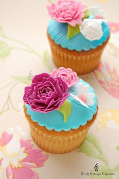 bright floral cuppy cakes