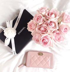 Chanel coin purse | pinterest: @Blancazh