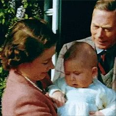 Three generations of Britain's (future) monarchs: King George VI, Queen Elizabeth II and Charles, Prince of Wales and heir to the throne. Royal Family History, English Royal Family, Princess Anne, Princess Margaret, Royal Babies, Baby Royal, Prince Charles And Camilla, Her Majesty The Queen, English Royalty