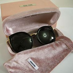 fb54d715c88df MIU MIU P318 Sunglasses C1 55  18 138 Black Gold Frame Gray Round Lenses