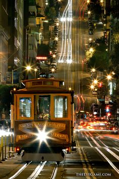California Street cable car, San Francisco. photography by William Storage