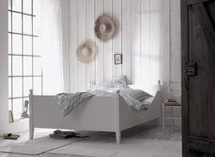 KUSCHELIGES NEST  Reizendes Landhausbett im Biedermeier-Look