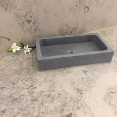 Denne elegante Steinvasken kan skaffes på ønskede mål - | kalkstein | servant | naturstein | limestone | bathroom sink | washbasin | Fliser | Tiles
