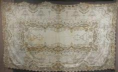 Antique lace tablecloth (liveauctioneers.com)