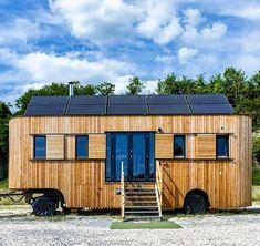 DIY - Windenergie - Bau dir dein eigenes Windrad! Cool Beds, Bed And Breakfast, Tiny House, Shed, Outdoor Structures, Campers, Handmade, Instagram, Design