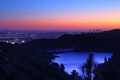 Lake Hollywood Reservoir at night St Francis Dam, Hollywood Sign, California Love, Northern Lights, Sunset, City, Places, Water, Travel