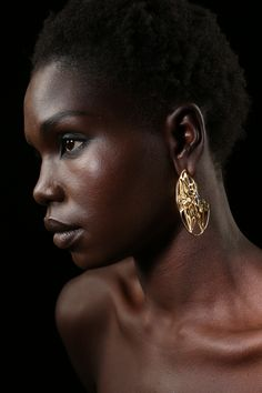 FL-o-WEN | Specimens collection | OXA gold earring with black diamonds