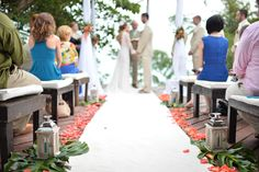 Top terrace ceremony. Perfect to celebrate love with an excellent view. Photo by Ale Sura