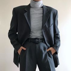 You'll be able to quit speculating over what you should put on to function to take a glance as trendy since you do outside of the place of work. Classy Outfits, Cool Outfits, Fashion Outfits, 80s Fashion, Aesthetic Fashion, Aesthetic Clothes, Look Blazer, Look Retro, Korean Fashion