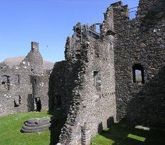 Kilchurn Castle - The Castle Courtyard