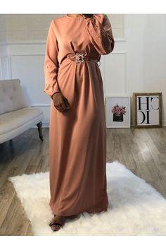 La robe Wafa sera la robe parfaite pour une occasion. On l'aime pour sa matière ultra douce fluide, légère pour l'été. Occasion, Dresses With Sleeves, Long Sleeve, Fashion, Moda, Sleeve Dresses, La Mode, Gowns With Sleeves, Fasion