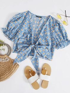 Crop Top Outfits, Cute Casual Outfits, Summer Outfits, Teen Fashion Outfits, Girl Outfits, Pakistani Dress Design, Casual Tops For Women, Korean Outfits, Cute Tops