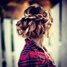 Waterfall braid updo.... Thinking this one for the wedding :)