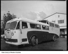 """regal_a75.jpg (547×435  Chassis No:  9823E2180   Conversions: Body:  HPorter RC36F? RC38F?   Engine:  AEC A219 6cyl 9.6l 125hp diesel   Gearbox:  """"Wilson"""" 4sp mono-control"""