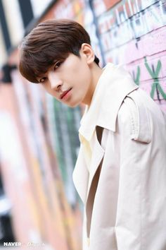 Wonwoo - V Low Tone Show special filming Naver x Dispatch Woozi, Mingyu, The8, Seungkwan, Fandom, K Pop, Banda Kpop, Kdrama, Vernon Chwe