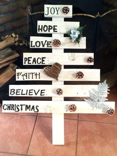 Tree with writing and decorations - R500