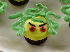 Medusa cupcake
