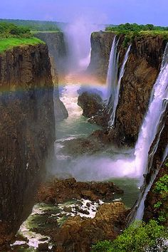 Victoria Falls, Zambia and Zimbabwe. The falls are among the most impressive to be found anywhere in the world. This legendary waterfall is among the biggest, and most awe-inspiring, on the planet. A UNESCO World Heritage Site since Beautiful World, Beautiful Places, Beautiful Pictures, Beautiful Photos Of Nature, Beautiful Gorgeous, Beautiful Scenery, Amazing Places, Beautiful Waterfalls, Beautiful Landscapes