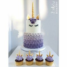 Unicorn party cake and cupcakes (unicorn birthday cakes) Beautiful Cakes, Amazing Cakes, Unicorn Cupcakes, Gateaux Cake, Unicorn Birthday Parties, Birthday Ideas, Purple Birthday, Cool Birthday Cakes, 4th Birthday