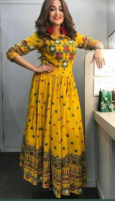 Bollywood Designer Long Anarkali Kurtis from The value store Salwar Designs, Kurta Designs Women, Kurti Designs Party Wear, Blouse Designs, Indian Gowns Dresses, Pakistani Dresses, Indian Designer Outfits, Indian Outfits, Indian Fashion Trends