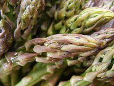 szeretetrehangoltan: Spárgás kenyérlángos Asparagus, Vegetables, Studs, Vegetable Recipes, Veggies