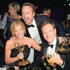 The Best Emmys After-Party Photos Anna Gunn, Aaron Paul & Bryan Cranston at the Governors Ball during the Annual Primetime Emmy Awards Sept. Best Tv Shows, Best Shows Ever, Favorite Tv Shows, Favorite Things, Party Pictures, Party Photos, Breaking Bad Cast, Anna Gunn, Aaron Paul