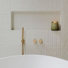 Family Bathroom, Small Bathroom, Master Bathroom, Bad Inspiration, Bathroom Inspiration, Bathroom Renos, Bathroom Flooring, Bathroom Renovations, White Brick Tiles