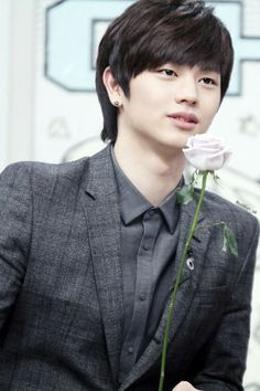Sungjae :the roses is for you my yeojachingu  Me : *excited*