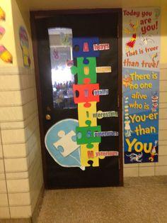 autism awareness bulletin board/classroom door --- http://tipsalud.com -----