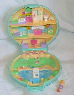 OMG Polly Pockets! miss those good ol' days:) simple and easy