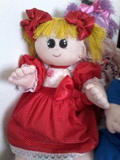 Boneca baby com movimentos braços e pernas