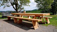 Ferdig utebord av kjerneved. Wooden Furniture, Picnic Table, Garden, Home Decor, Timber Furniture, Wood Furniture, Garten, Decoration Home, Room Decor