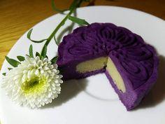 Cách làm bánh trung thu khoai lang tím rịm - http://congthucmonngon.com/193317/cach-lam-banh-trung-thu-khoai-lang-tim-rim.html