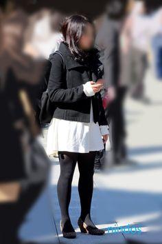 Sheer Tights, Winter Jackets, Fashion, Winter Coats, Moda, Winter Vest Outfits, Fashion Styles, Fashion Illustrations