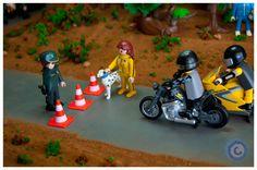 07. Sigue llegando gente al lugar del accidente, pero hasta que no retiren el vehículo accidentado el camino está cerrado al tránsito...