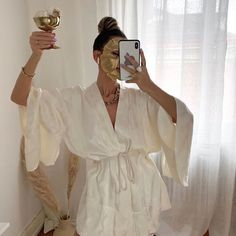 """""""self-care day today and everyday"""" Classy Aesthetic, Beige Aesthetic, Looks Rihanna, Face Roller, Spa Day, Dream Life, Aesthetic Pictures, Look Fashion, Self Care"""