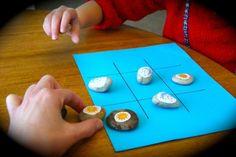 Una forma divertida de aprender nuevas palabras.  http://mamayfamilia.com/news/2014/feb/26/aprender-nuevas-palabras-jugando-tres-en-raya/#.Uw_7piiW4uI